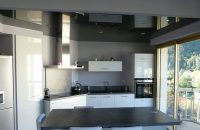 alpes-plafond-tendu-noir-laque-cuisine