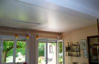 salon-sejour-plafond-tendu-blanc-satine