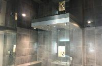 salle-de-bain-plafond-tendu-noir-laque