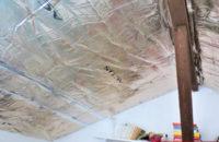 plafond tendu entre poutre avant chambre